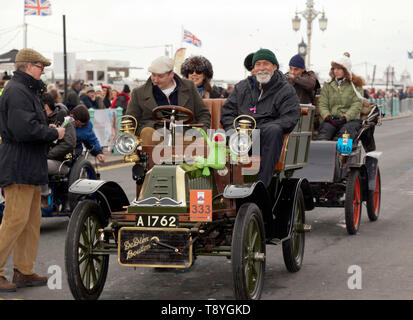 Mr Jack Parsons driving a 1904 De Dion Buton, at the finishing line of the 2018 London to Brighton Veteran Car Run - Stock Image