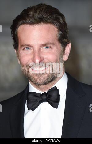 London, UK. 10th Feb, 2019. LONDON, UK. February 10, 2019: Bradley Cooper arriving for the BAFTA Film Awards 2019 at the Royal Albert Hall, London. Picture: Steve Vas/Featureflash Credit: Paul Smith/Alamy Live News - Stock Image