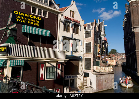 Amsterdam diamont factory canal boat - Stock Image