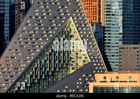 The luxury apartment complex Via West 57 with its unique shapes and modern design. Midtown West, Manhattan, New York City, USA - Stock Image