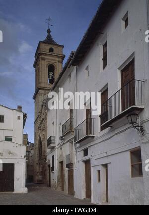 PLAZA MAYOR Y TORRE. Location: IGLESIA DEL SALVADOR. REQUENA. Valencia. SPAIN. - Stock Image