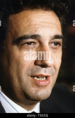 PLACIDO DOMINGO Spanish opera singer about 1995 - Stock Image