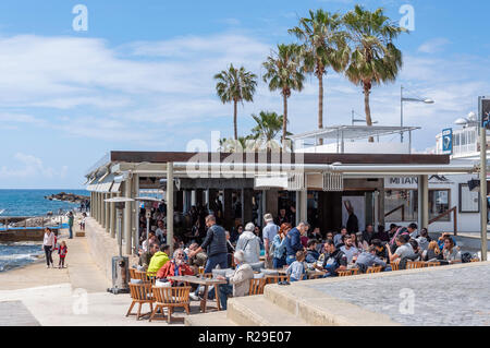 Seafront Τα Μπάνια Bar & Restaurant, Poseidonos Avenue, Paphos (Pafos), Pafos District, Republic of Cyprus - Stock Image