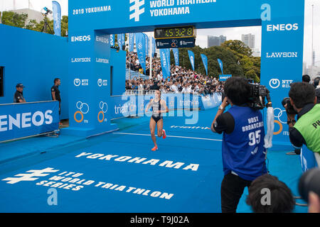 Yokohama, Japan. 18th May, 2019. 2019 ITU World Triathlon, World Paratriathlon Yokohama at Yamashita Park and Minato Mirai, Yokohama. Spivey (Photos by Michael Steinebach/AFLO) Credit: Aflo Co. Ltd./Alamy Live News - Stock Image