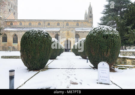 A wintery scene at Tewkesbury Abbey - Stock Image