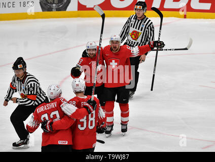 Bratislava, Slovakia. 21st May, 2019. L-R Philipp Kurashev, Lukas Frick, Lino Martschini and Tristan Scherwey (all SUI) celebrate Frick's goal during the match between Czech Republic and Switzerland within the 2019 IIHF World Championship in Bratislava, Slovakia, on May 21, 2019. Credit: Vit Simanek/CTK Photo/Alamy Live News - Stock Image