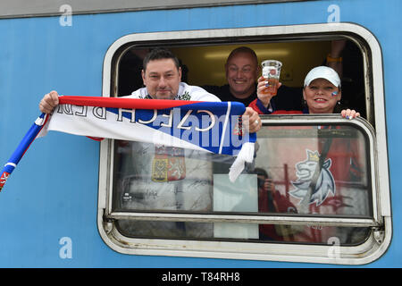 Brno, Czech Republic. 11th May, 2019. Czech ice hockey fans preparing for departure by a special train from Brno, Czech Republic, to Bratislava, Slovakia, on May 11, 2019, to the match Norway vs Czech Republic within the 2019 IIHF World Championship. Credit: Vaclav Salek/CTK Photo/Alamy Live News - Stock Image