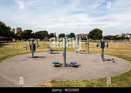 A park workout station - Stock Image