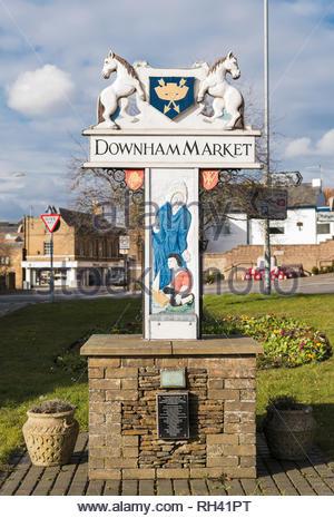 Decorative town sign on the outskirts of Downham Market, Norfolk, England, UK - Stock Image