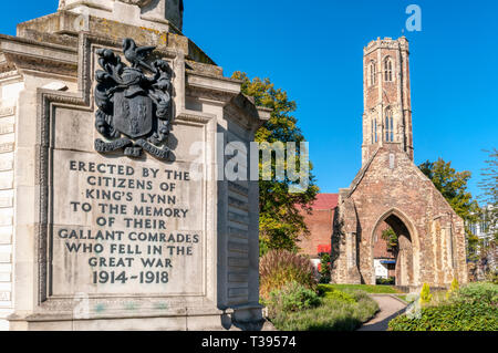 War memorial in King's Lynn with Greyfriars Tower in background. - Stock Image
