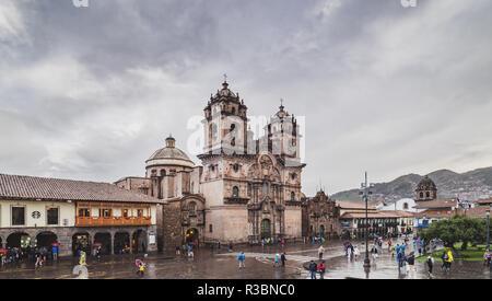 Cusco, Peru - January 7, 2017. View of the compañia de Jesus church in the Plaza de Armas of Cusco - Stock Image