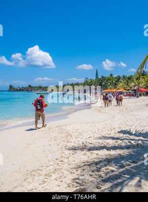 View of West Bay Roatan Honduras on a beautiful sunny day in April. - Stock Image