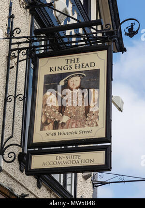 The sign for The Kings Head public house, Warrington, Cheshire, on the exterior of a mock tudor building - Stock Image
