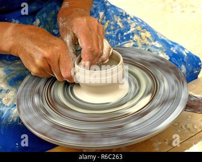 To Make Pottery - Stock Image