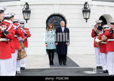President Donald J. Trump and First Lady Melania Trump at the 140th White House Easter Egg Roll | April 2, 2018 Photo of the Day April 5, 2018 - Stock Image