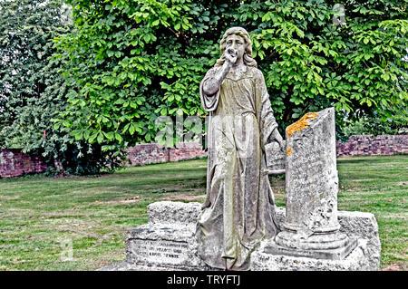 Churchyard at Cholsey; Kirche und Friedhof von Cholsey (Oxfordshire) - Stock Image
