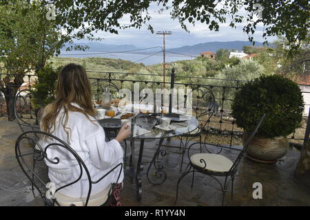Greek breakfast on the terrace - Stock Image