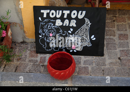 Toutou bar (water bowl) for dogs, Le Castellet, near Toulon, France - Stock Image