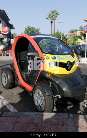 renault twizy electric car cars quadricycle city zero emission emissions - Stock Image
