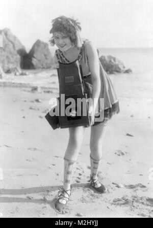 Myrtle Lind Poses with Graflex Camera, 1919 - Stock Image