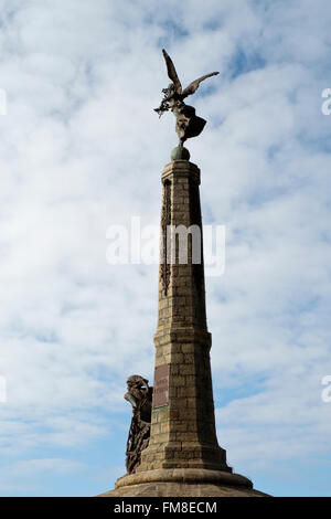 Winged Victory on the stone shaft of the WW1 War Memorial in Aberystwyth, Wales. By Marion Rutelli - Stock Image