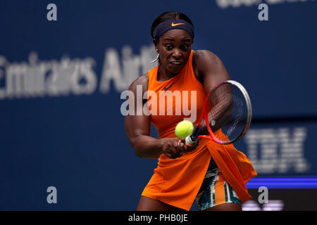 Flushing Meadows, New York - August 31, 2018: US Open Tennis:  Number 3 seed, Sloane Stephens of the United States during her third round match against Victoria Azarenka of Belarus at the US Open in Flushing Meadows, New York.  Stephens won the match in straight sets. Credit: Adam Stoltman/Alamy Live News - Stock Image