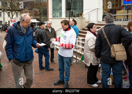 Aylesbury, UK. February 16th 2019. Aylesbury Open Britain group campaigning in the town centre for a Brexit Peoples vote. Credit: Stephen Bell/Alamy Live News. - Stock Image