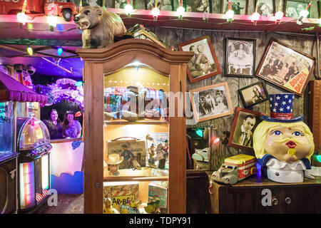 Captiva Island Florida Bubble Room multi-themed restaurant inside whimsical kitschy decor vintage toys - Stock Image