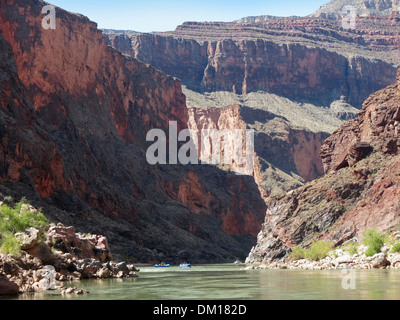 A few rafters in the Redwall area of the Grand Canyon. - Stock Image