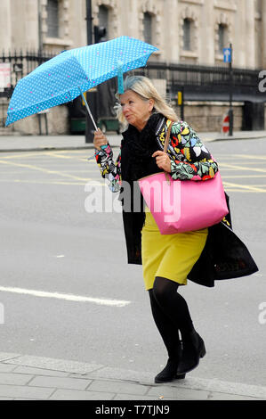 London, UK. 09th May, 2019.  Rain in London West End. Credit: JOHNNY ARMSTEAD/Alamy Live News - Stock Image