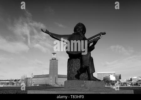 Sculpture of Evert Taube, Evert Taube terrace, Riddarholmen area of Stockholm City, Sweden, Europe - Stock Image