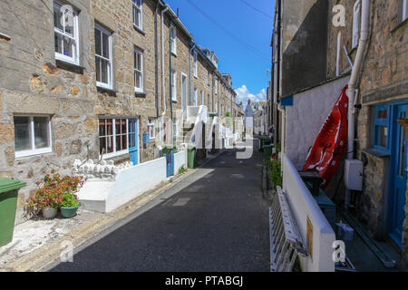 A backstreet in St. Ives, Cornwall, England, UK - Stock Image