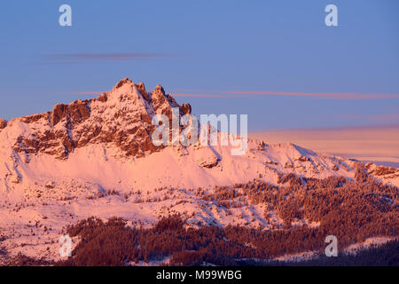 Aiguilles de Chabrieres (Chabrieres Needles) at Sunset in Winter. Ecrins National Park, Hautes-Alpes, French Alps, France - Stock Image