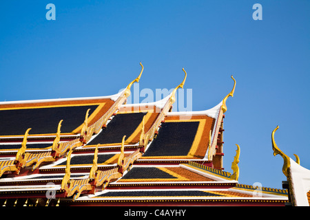 Thailand, Bangkok. Roof detail at Wat Phra Kaew (Temple of the Emerald Buddha). - Stock Image