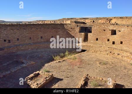 64' diameter great kiva, Casa Rinconada, Chaco Canyon, Chaco Culture National Historical Park, New Mexico, USA  180926_69571 - Stock Image