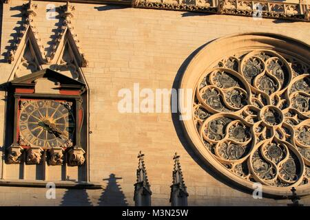 Close-up view of Saint-Jean cathedral façade in Lyon, France - Stock Image