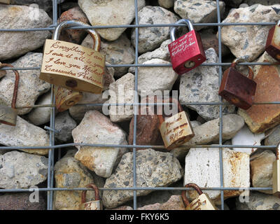 gabions with love tokens - Stock Image