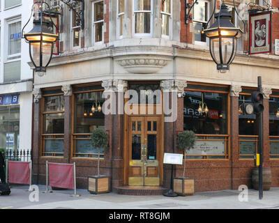 Cock Tavern, 27 Great Portland Street, Marylebone, London - Stock Image