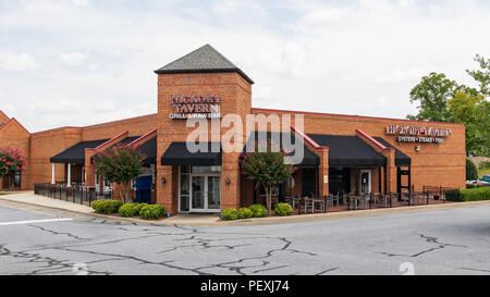 HICKORY, NC, USA-15 AUGUST  Hickory Tavern is a small chain of restaurants  in North and South Carolina, Tennessee and Alabama. - Stock Image