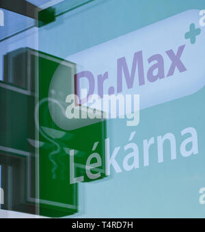 Prague, Czech Republic. 17th Apr, 2019. Dr. Max pharmacy chain, a member of Penta investment group, raised its revenues from sales of products and services by 11 percent to Kc17.95bn in Czechia year on year, Daniel Horak, CEO of Ceska Lekarna Holding (CLH), which operates Dr.Max, said in an interview with CTK on April 18, 2019. On the photo is seen the logo of a Dr. Max pharmacy in Prague, Czech Republic, on April 17, 2019. Credit: Michal Kamaryt/CTK Photo/Alamy Live News - Stock Image