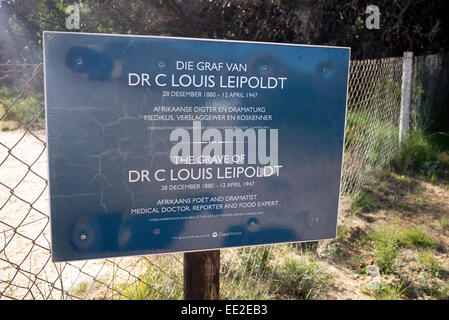 Sign to the grave of Dr. Christian Frederik Louis Leipoldt at Pakhuis Pass (Storehouse Pass), near Clanwilliam, - Stock Image