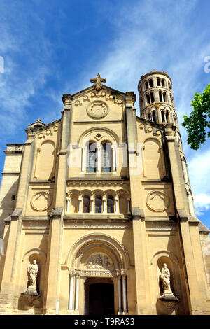 The neo-romanesque facade of the St. Théodorit cathedral at Uzès, France. The Cathédrale Saint-Théodorit was rebuilt in the 17th century after several - Stock Image