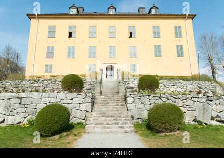 Exterior of Wenngarn (Venngarn) Castle in Sigtuna, Sweden with stone stepped gardens - Stock Image
