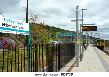 Ebbw Vale Town / Tref Glyn Ebwy - a train arriving at the town's railway station. Ebbw Vale, Blaenau Gwent, south Wales, UK. - Stock Image