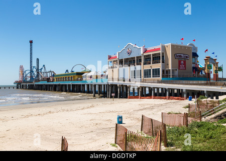 Galveston Island Historic Pleasure Pier on sunny day - Stock Image