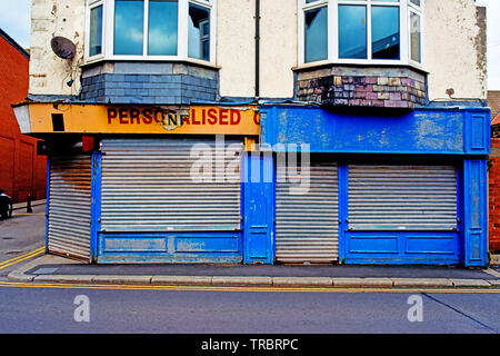 Run down closed Shop, Redcar, Cleveland, England - Stock Image