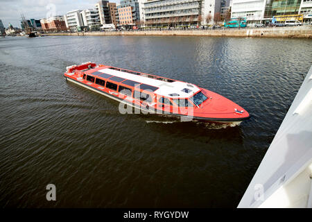 dublin big red boat guided river liffey tours Dublin Republic of Ireland europe - Stock Image