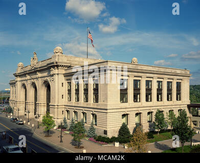 no other building has been so important to the growth of Albany during the twentieth century as Union Station. - Stock Image