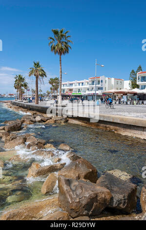Seafront promenade, Paphos (Pafos), Pafos District, Republic of Cyprus - Stock Image