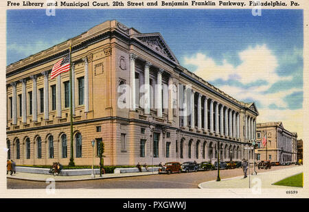 Free Library and Municipal Court, 20th Street and Benjamin Franklin Parkway, Philadelphia, Pennsylvania, USA.     Date: circa 1920s - Stock Image